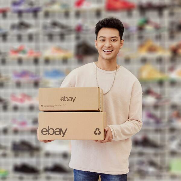 Junger eBay-Sneaker-Verkäufer